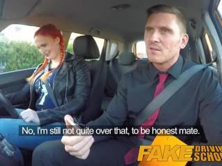Fake driving school- examiner cums alle over harig poesje