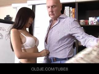 Noor assian tüdruk sisse a fuck lesson
