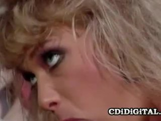 Kristina राजा एक रेटरो double penetration सेक्स