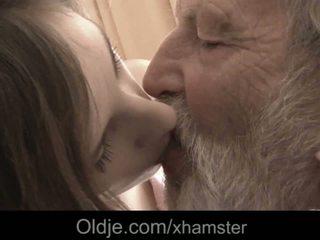 Datuk besar lama zakar/batang mulut pancutan air mani medicine untuk sakit