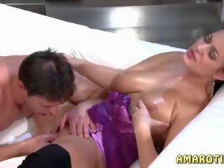 Liels krūtis un krūšgali 2, bezmaksas amarotic hd porno 21