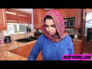 Hijabi punca ada has da suck kurac in obey