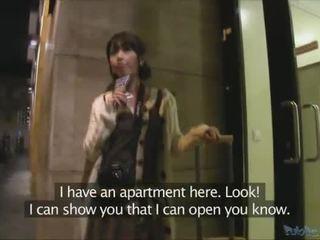 Japonais touriste persuaded à avoir sexe