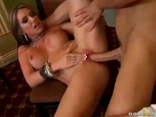 Busty pornstar Courtney Cummz fucked