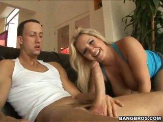 Rachel אהבה יחד סביב שלה pair של שדיים גדולים