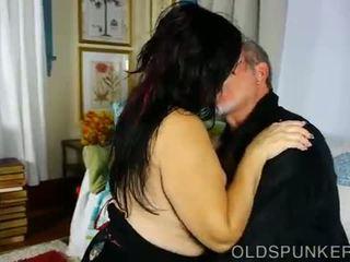 Super schattig mollig oud spunker wants u naar sperma in haar mond