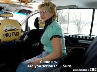 Čekiškas suaugę blondinė alkanas už taxi drivers varpa: porno 99