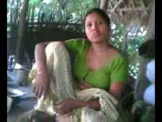 Desi 村 aunty 表示 おっぱい 上の リクエスト wid audio - desibate*