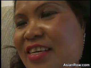 Thick ir suaugę azijietiškas wants a juodas varpa