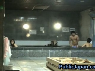Haruka sasai asiatique female gangbangs un