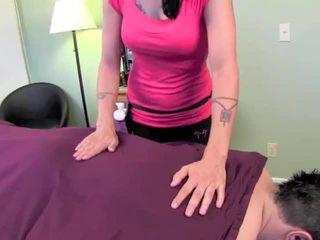 Zoey holloway massage giật