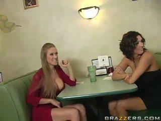 Abby rode at dylan ryder panunukso a waiter at ibahagi kaniya python