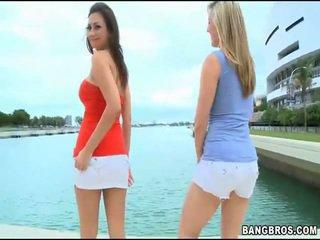 Totally bezmaksas milzīgs video ar seksuālā meitenes