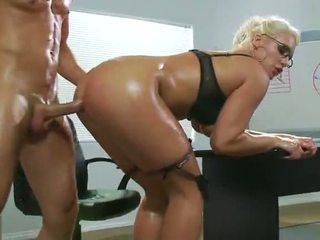 Sexy sadie swede fund inpulit în the birou video