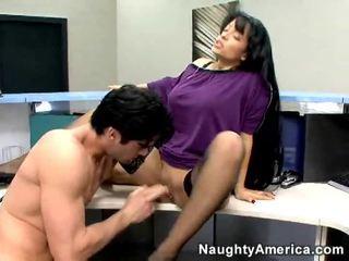 brunete, laizīšana, office sex