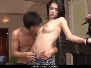 مدهش maria ozawa receives two cocks داخل لها