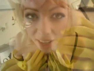 Adrianna nicole en yellow caoutchouc gants - porno vidéo 841