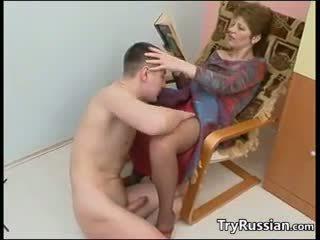 Възрастни руски майка fucks
