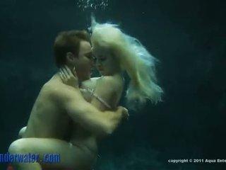 Whitney taylor - onderwater seks