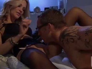 Sizzling bitch Jessica Drake munches a massive cock like a baloney in her mouth