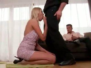 Teena lipoldino gets anal baisée par two guys