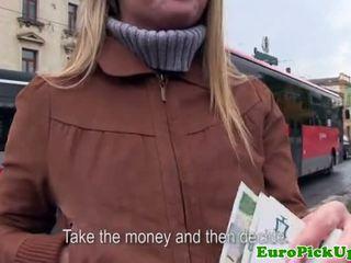 Euro girlnextdoor sucks lul voor cash
