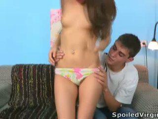 Two lads verwöhnen die virgin für ihre entertainment