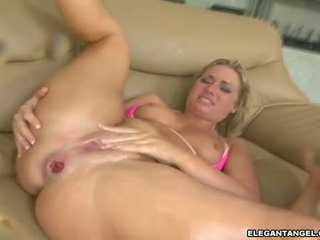 Dirty Sindee Jennings Desires One Hawt Explosion Of Jizz In Her Mouth