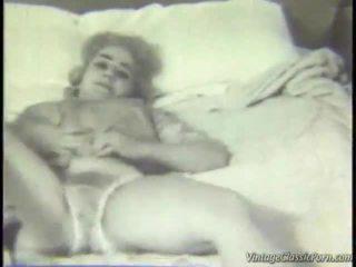 Retro miegamasis striptease