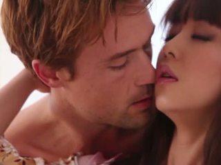 สวย ญี่ปุ่น ผมสีบรูเนท ผู้หญิงสวย marika hase gives หัว และ