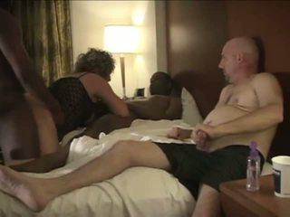 Manžel enjoys pozeranie amatérske paroháč manželka hojdačka.