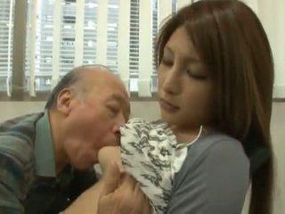 Chinez youngster has ei diminutive labia got laid de an matura baiat