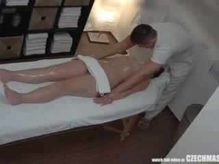Suur perse brünett getting parim massaaž kunagi <span class=duration>- 7 min</span>