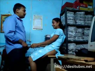 Desi setiausaha fucked secretly