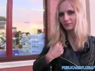 tegelikkus, blondes, kõhn
