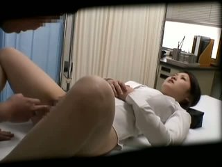 Spycam 女子生徒 misused バイ 医師 2