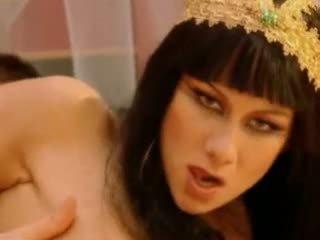 Julia taylor cleopatra wideo