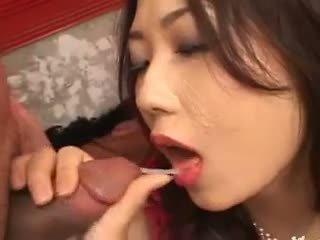 Reāls dzimumloceklis nepieredzējošas gangbang no korejieši