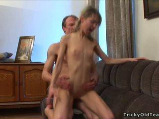 Arrapato insegnante seducing giovanissima
