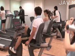 黑妞, 现实, 日本