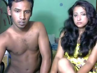 Newly precētas south indieši pāris ar ultra karstās skaistule vebkāmera izstāde (2) - pornhub.com