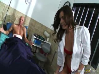 Verpleegster nailing