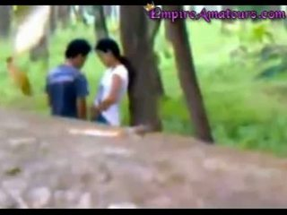 Chinez cuplu prins futand în the woods