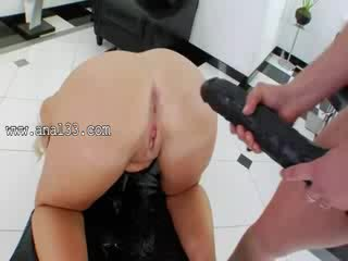 Killer Lesbos eating prolapsed asshole