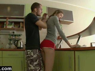 Primero tiempo anal en la cocina