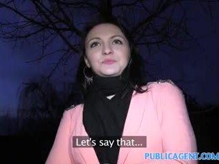 Publicagent mustanahaline haired beib fucks kuni saama fake modelling leping