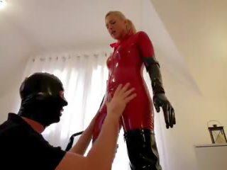 Palaistuve uz sarkans lateks cat uzvalks melnas zābaki fucks vergs: porno 43