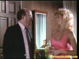 dans la cuisine nue, porno rétro, sexe de cru