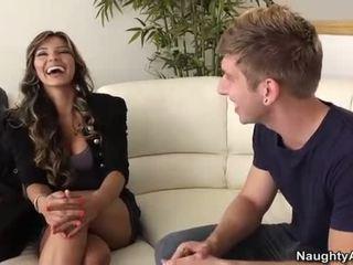 Esperanza gomez takes a jauns dzimumloceklis par the dīvāns