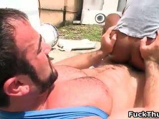 Arouse homo beer fucks sexy thug omhoog de